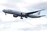 B-2085 Boeing 777 Air China (14601000589).jpg