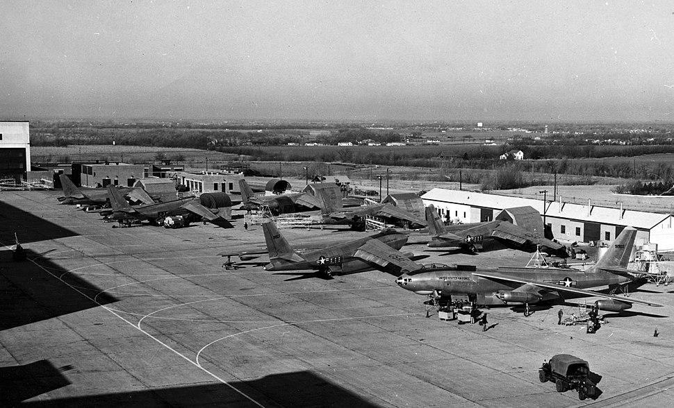 B-47As, Boeing Airplane Co. Plant II, North Apron, Wichita, KS, 1951