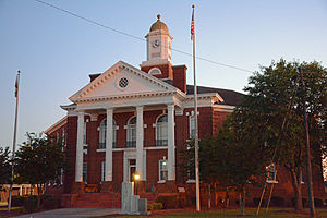 Bacon County, Georgia - Image: Bacon County Courthouse, Alma, GA, USA