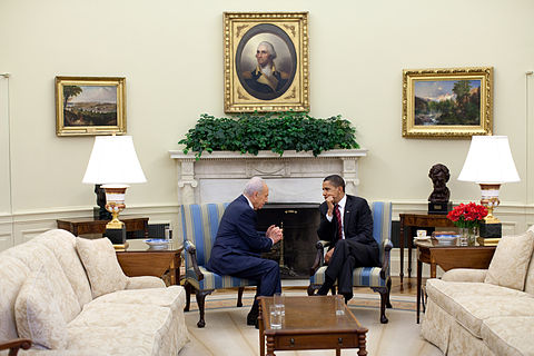 The Three Tetons (1895) by Thomas Moran (on the right) Barack Obama meets Shimon Peres in the Oval Office.jpg