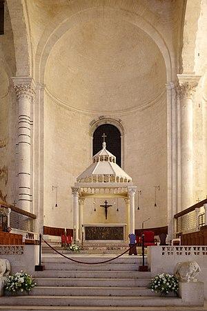 Bari Cathedral - Cathedral interior