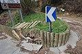 Barrière en bois cassée à l'entrée de Gif-sur-Yvette sur la route de la Belle Image le 27 mars 2015 - 2.jpg