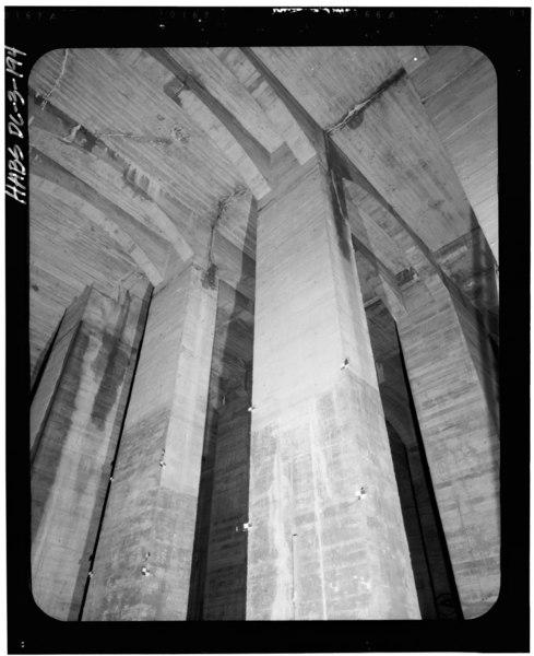 File:Basement Below Center Chamber, Looking Northwest. 14