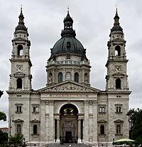Basilique Saint-Étienne de Pest.jpg