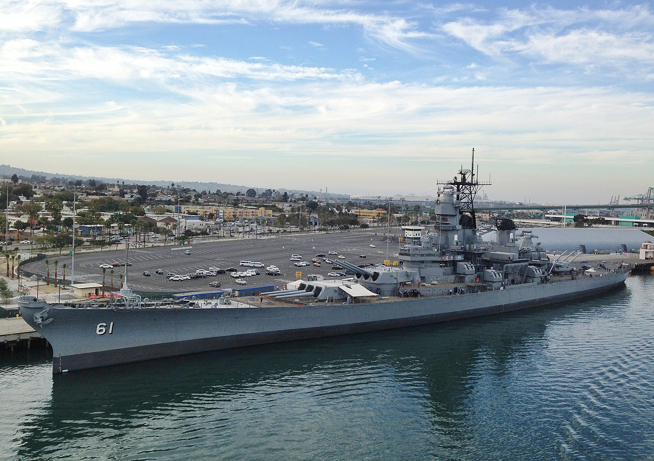[Image: 1280px-Battleship_USS_Iowa_at_the_Port_o...ngeles.jpg]
