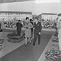Beatrix en Claus en auto bij RAI, prinses Paola en prins Albert bij RAI, Bestanddeelnr 918-8679.jpg