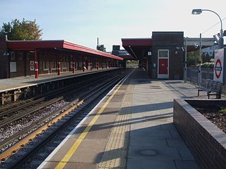 Becontree tube station - Image: Becontree station look east