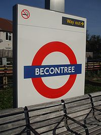 Becontree station roundel.JPG