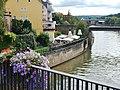 Beim 366 km langen Neckartalradweg, Blick zum am Neckar gelegenen Viertelesschlotzer in Lauffen am Neckar - panoramio.jpg