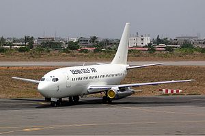 Benin Golf Air Boeing 737-200 Mutzair.jpg