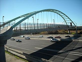 Berkeley I-80 bridge - View of the bridge looking east
