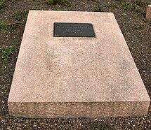 Berlin Friedrichsfelde Zentralfriedhof, Gedenkstätte der Sozialisten (Rondell) - Ulbricht