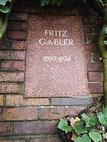 Berlin Friedrichsfelde Zentralfriedhof, Gedenkstätte der Sozialisten (Urnenwand) - Gäbler.jpg