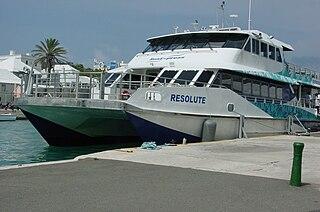 Ferry en Dockyard