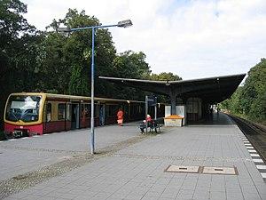 Berlin-Waidmannslust station - Image: Bf b waidmannslust