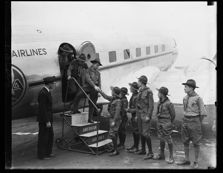 File:Boy scouts at hoover airport2.tif