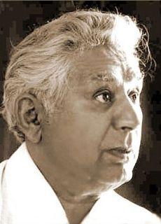 Bozorg Alavi writer, novelist and activist