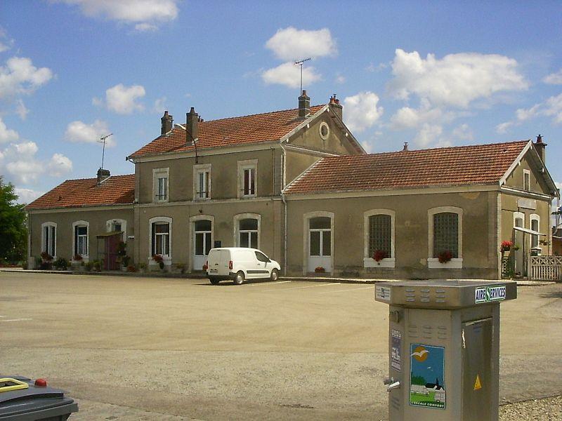 Brienne-le-château, station, straatzijde