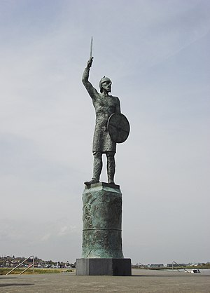 The Battle of Maldon - Byrhtnoth statue in Maldon, Essex. Hero and loser of the Battle of Maldon in 991