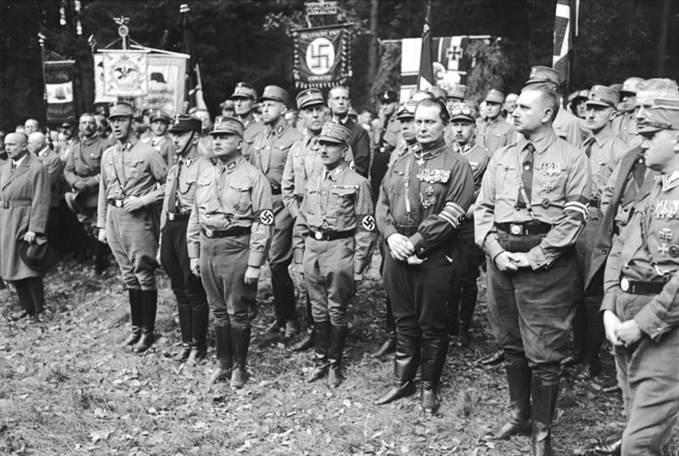 Bundesarchiv Bild 102-02134, Bad Harzburg, Gr%C3%BCndung der Harzburger Front