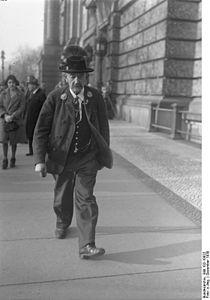 Bundesarchiv Bild 102-10822, Georg Eisenberger.jpg