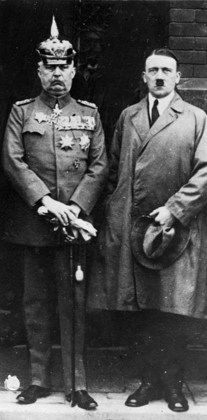 Bundesarchiv Bild 102-16742, Erich Ludendorff mit Adolf Hitler