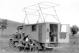Land mobile service - Land mobile station with NVIS roof aerial, of the Reichswehr 1928.