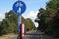 Bus stop, Stratford Road near Warwick - geograph.org.uk - 1520642.jpg