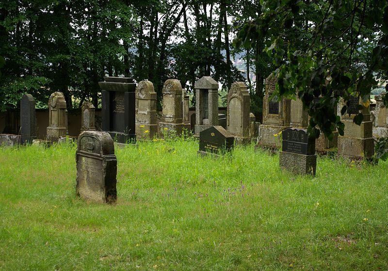 File:Buttenheim Jüdischer Friedhof 003.JPG