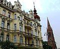 Bydgoszcz, kościół ewangelicki, ob. rzym.-kat. par. p.w. śś. Piotra i Pawła, 1872-1876 na tle kamienicy a.jpg