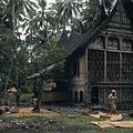 COLLECTIE TROPENMUSEUM Het wannen en drogen van rijst Kota Baru TMnr 20018423.jpg