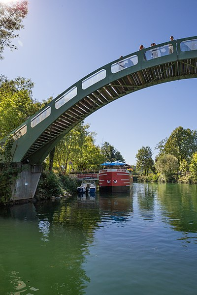 Canal de Savières, Chanaz footbridge.