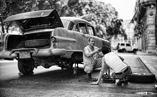 Car repairs in Havana
