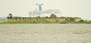 Castle-pinckney-cruise-ship-sc1.jpg
