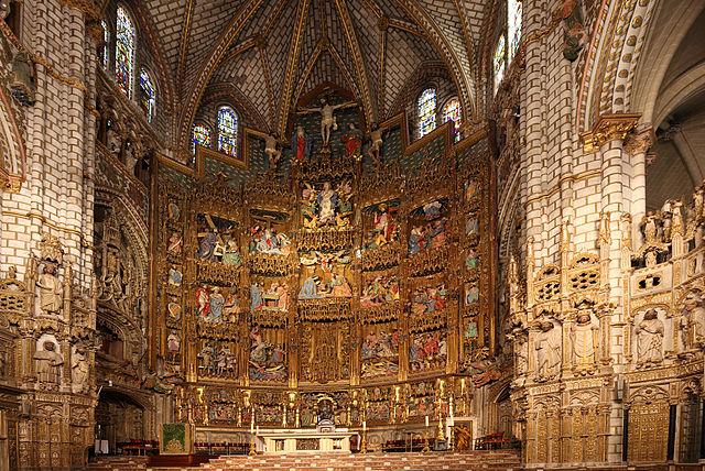 https://upload.wikimedia.org/wikipedia/commons/thumb/4/4b/Catedral_de_Toledo.Altar_Mayor_%28huge%29.jpg/640px-Catedral_de_Toledo.Altar_Mayor_%28huge%29.jpg