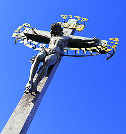 Charles bridge crucifix.jpg
