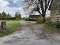 Chemin du Montessuy (Belley), accès latéral.jpg