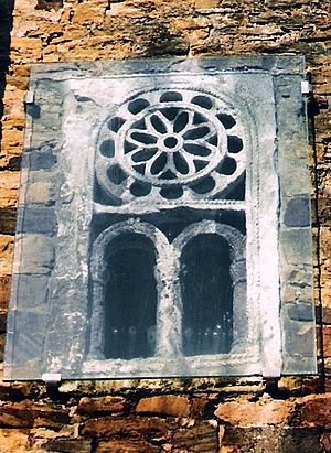 San Miguel de Lillo - 9th century side window