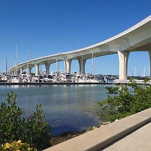 Clearwater Memorial Causeway - Image: Clearwater Memorial Causeway main span 3Nov 2017 (4)