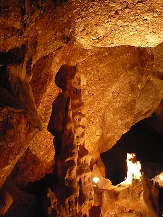 Collbató - Image: Collbató Coves del Salnitre 2011 Xavier Planas Viñas