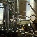 Collectie Nationaal Museum van Wereldculturen TM-20029607 Chemische industrie Aruba Boy Lawson (Fotograaf).jpg