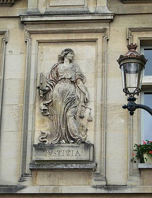 Administrative discretion - Compiègne Justice