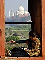 Couple with Taj Mahal Backdrop - Agra Fort - Agra - Uttar Pradesh - India (12613213884).jpg