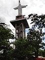 Cristo Salvador de Sertãozinho com 57 metros de altura. O pedestal tem 39 metros e a estátua mede 18 metros. É um dos maiores monumentos religiosos do mundo, contando o pedestal. O Cristo Redentor de - panoramio.jpg