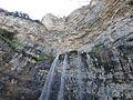 Cueva de los Chorros en el nacimiento del Rio Mundo.jpg