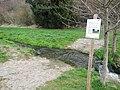Das Wasser des Eisengriffbaches setzt sich aus gereinigtem Abwasser und gelegentlichem Niederschlagswasser zusammen. - panoramio (1).jpg