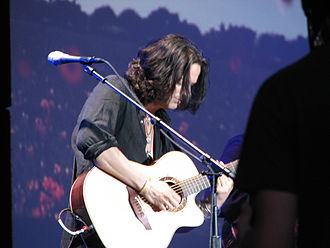 The Dark Side of the Moon Live - Dave Kilminster performing with Waters at the Arrow Rock Festival, 10 June 2006
