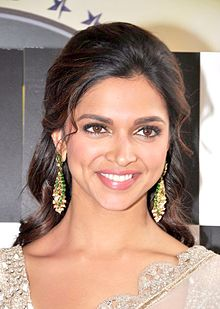 Deepika Padukone promoting RACE 2 on NACH BALIYE 5.jpg