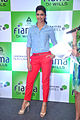 Deepika promotes 'Cocktail' at Reliance store 10.jpg