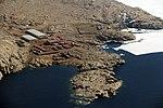 """Die italienische Mario Zucchelli-Station auf einer eisfreien Landzunge in Victorialand war das """"Basislager"""" der drei DLR-Wissenschaftler (24324111494).jpg"""